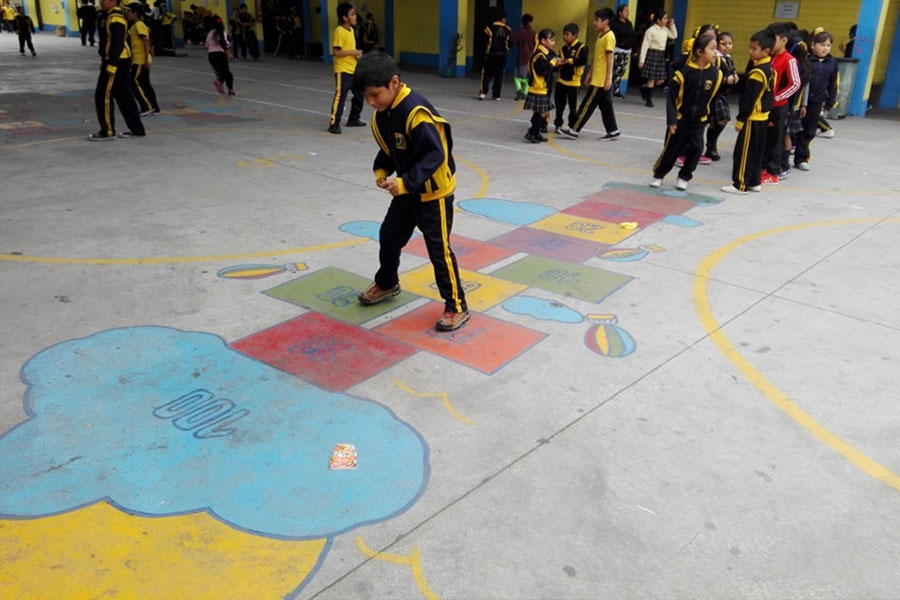 In Peru, Terre des hommes (Tdh) promotes child friendly spaces in schools for guaranteeing the right of children to play.